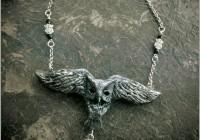 Owl-neckl-sculpt02-web