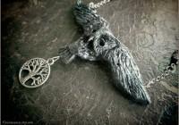 Owl-neckl-sculpt09-web