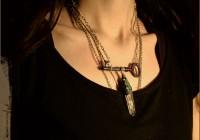 crystal-key-neckl01