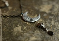 nocturne-garden-Moon-necklace01-web